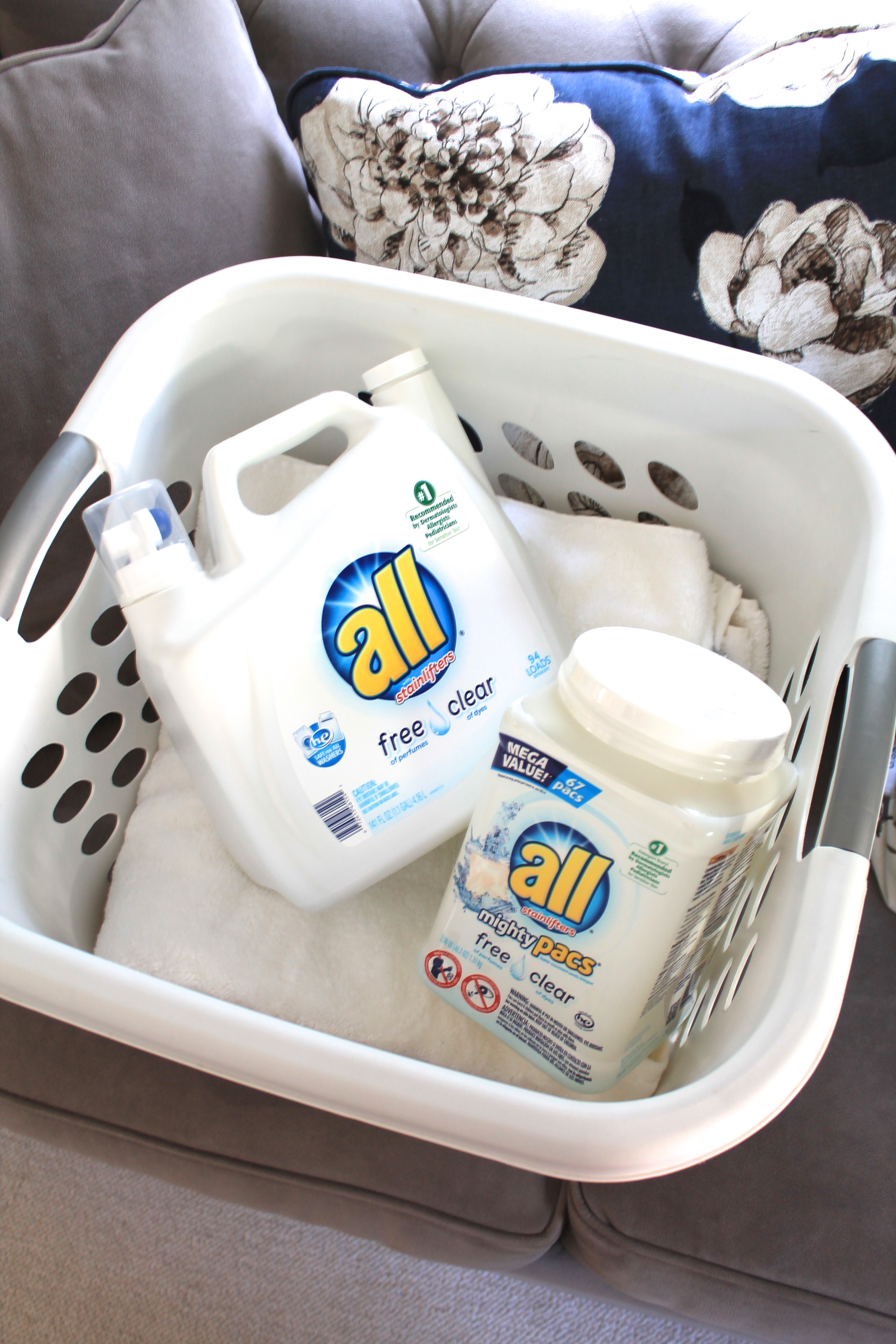 all free clear - detergent for sensitive skin // feathersandstripes.com