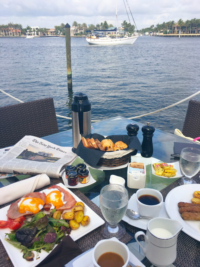 dock-breakfast
