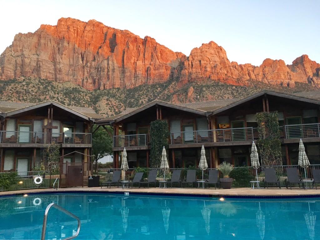 Desert Pearl Inn Springdale, Utah // feathersandstripes.com