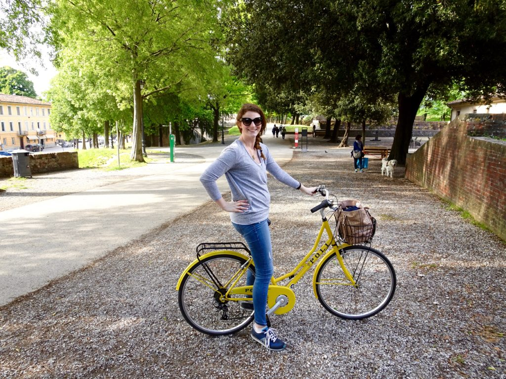 non-maternity t-shirt and a bike ride in Lucca, Italy