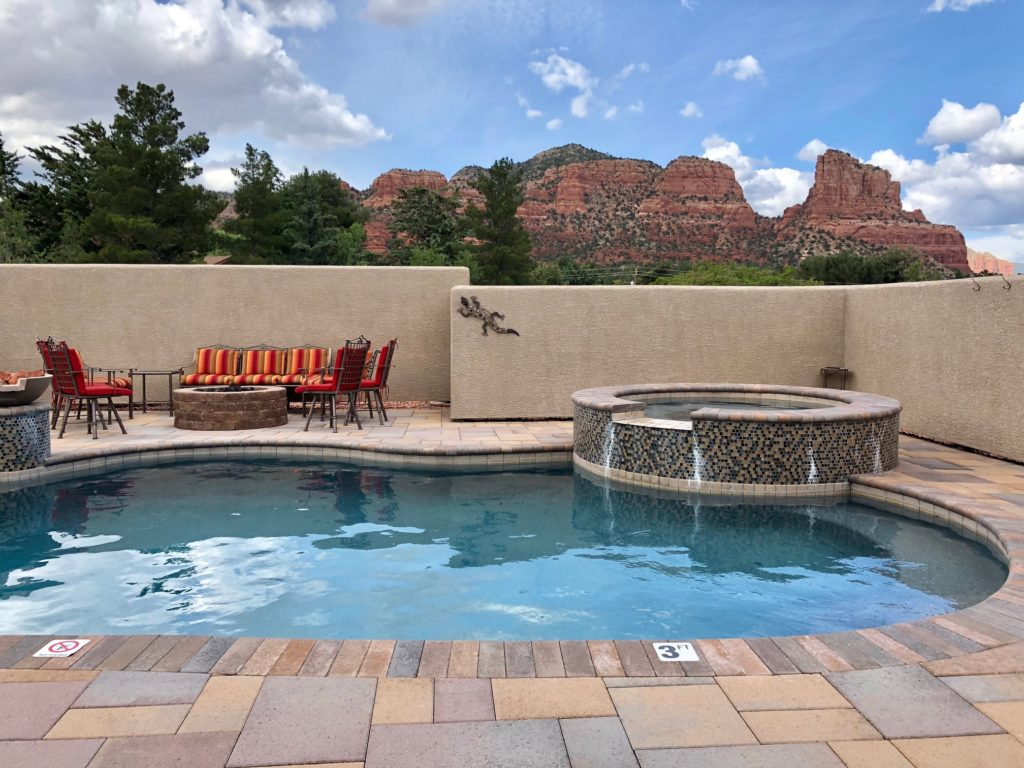 Where to stay in Sedona for family travel from blogger feathersandstripes.com